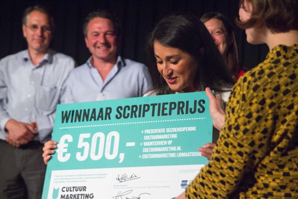 Scriptieprijs winnaar Hassina Bahar